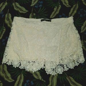Fabulous Ivory Lace Macrame Shorts Skirt, Zara, Lg